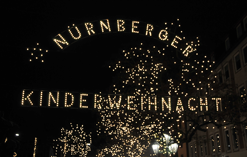 Kinderweihnacht02-nuernberg-christkindlesmarkt-smart-family-travel
